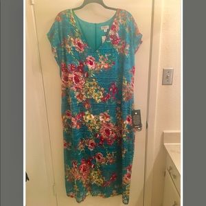 NWT! Romantic plus size dress in blue/green floral